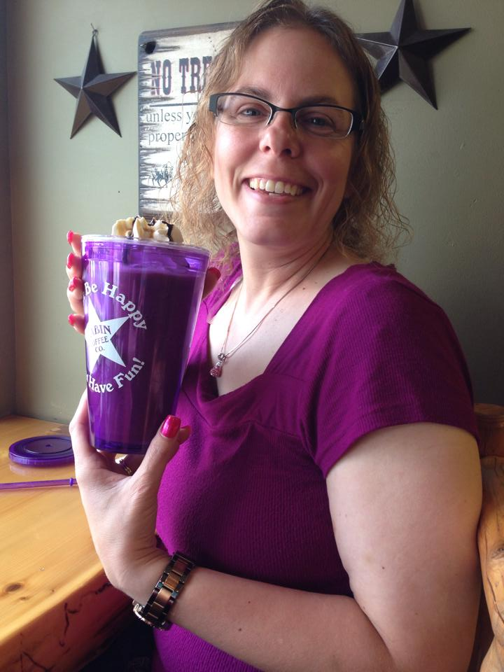 One of our regular customers with her cool Cabin mug.